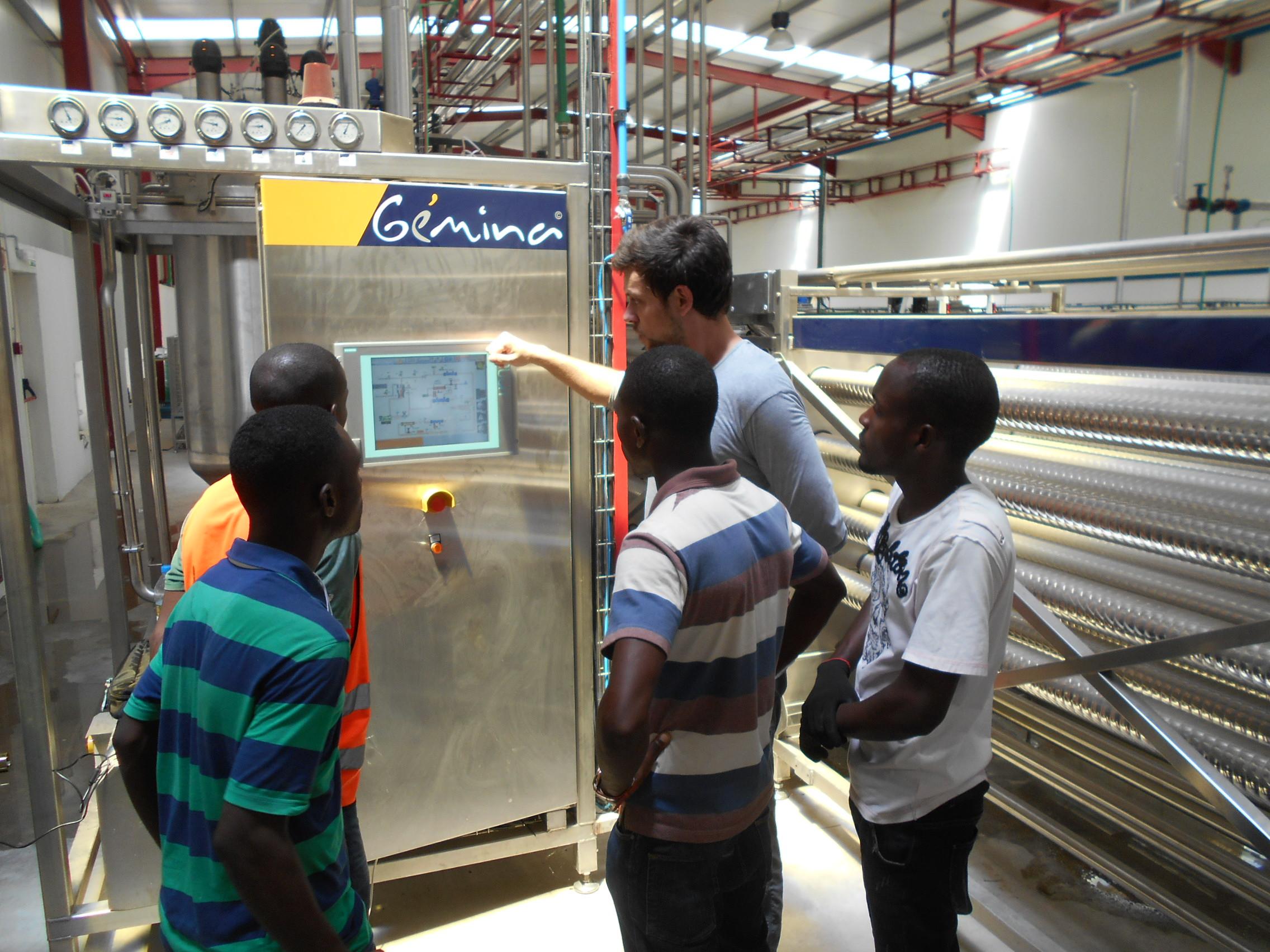 Inauguración de dos fábricas en Namibe y Benguela, Angola